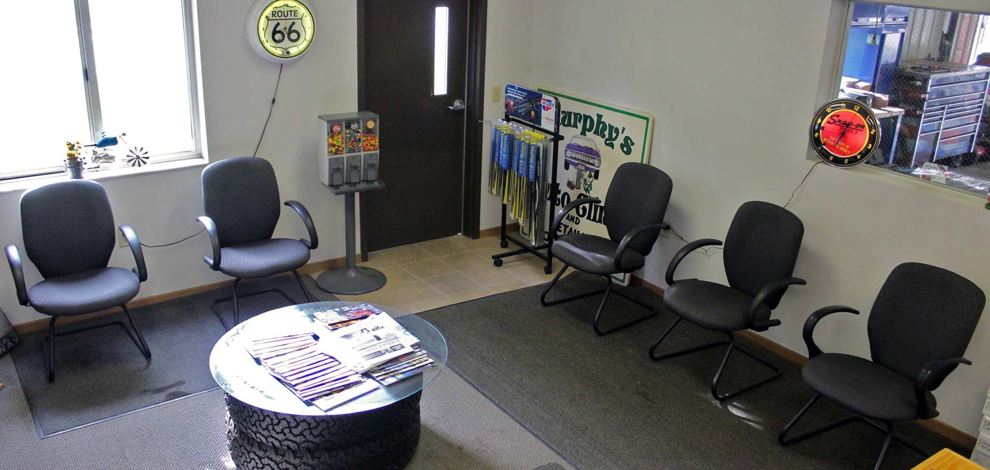 Interior of the waiting room at Murphy's Auto Center in Faribault, MN